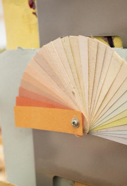 Papier artisanal - à choix selon couleur en stock